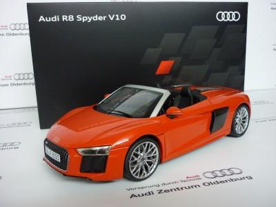 Modellauto Audi R8 Spyder V10 Dynamitrot in 1:18